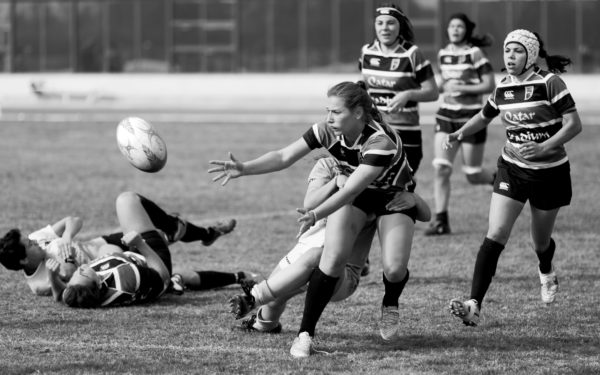 Ortho-K for sports vision - Girls playing rugby