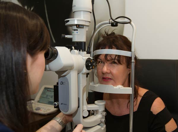 Assessment and treatment for dry eye at Eyeconic Optometry Southport